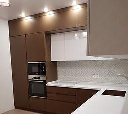 кухня коричневая под заказ в Москве от п