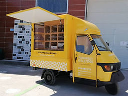 Foodtruck piaggio jaune