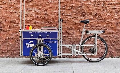 Vélo cargo triporteur bleu