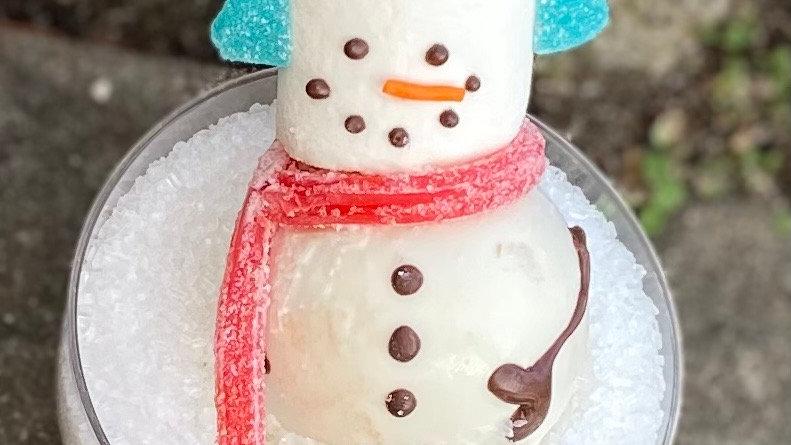 Snowman chocolate bomb