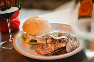 Anima Lounge & Bistro Burger Special