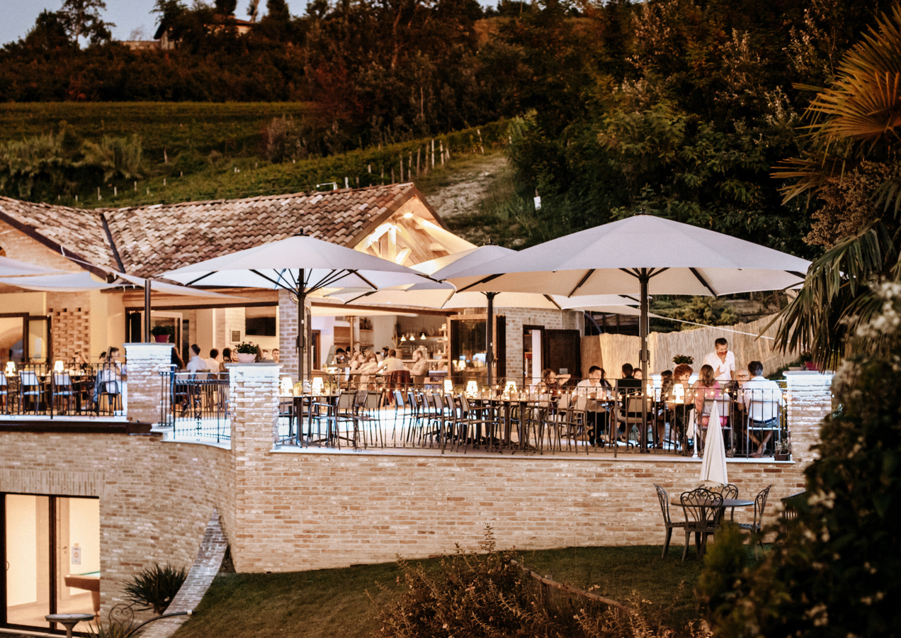 Almaranto - Anima Lounge & Bistro exteri