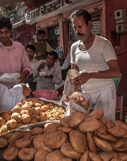 Kachori seller