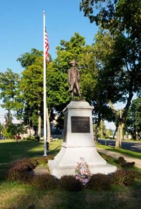 Warren Statue.png