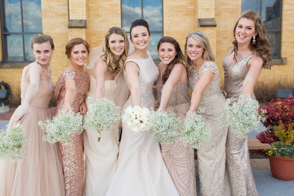 Clark Wedding Bride and Bridesmaids.jpg