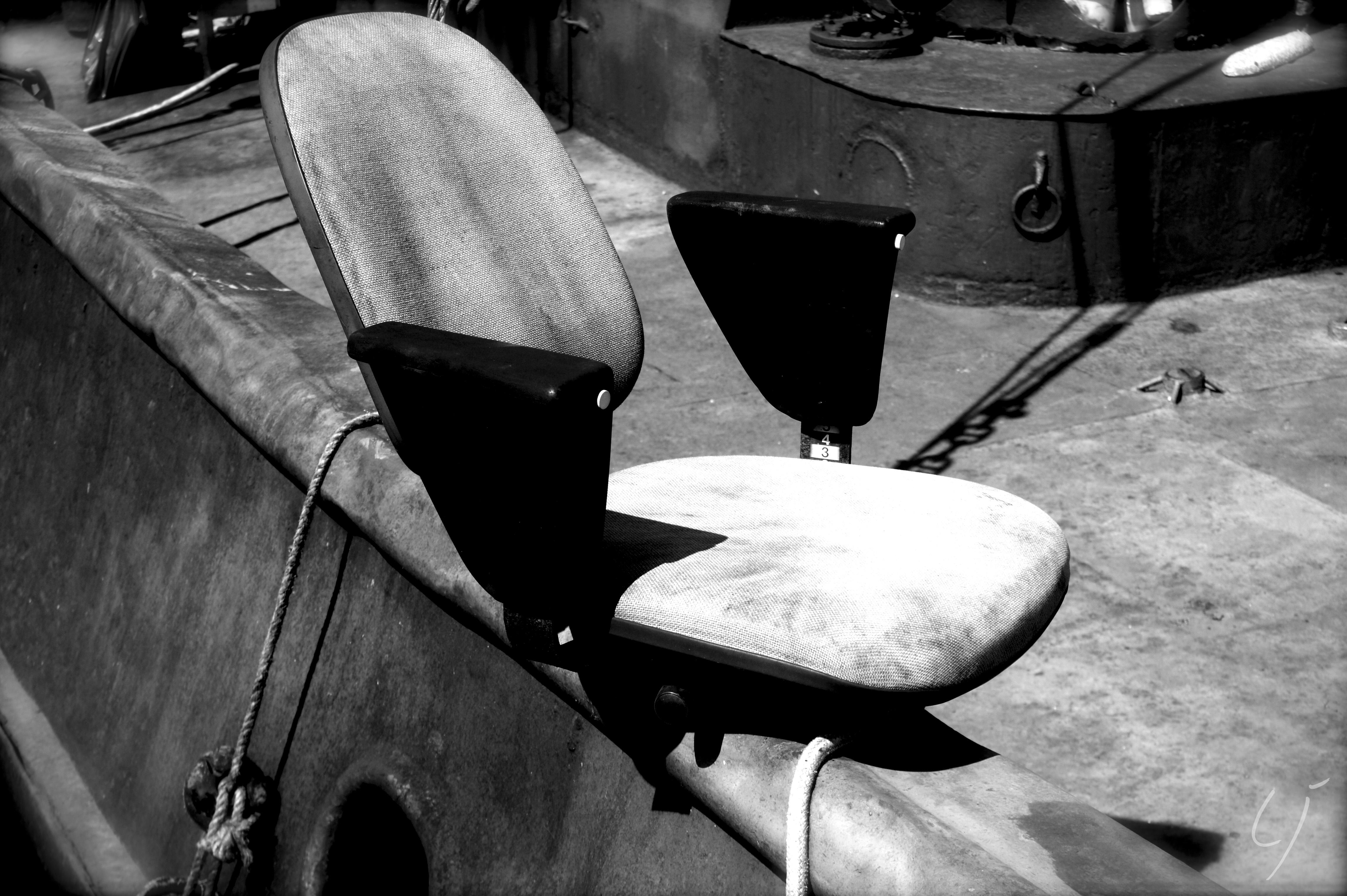 Chaise babord LJ.jpg