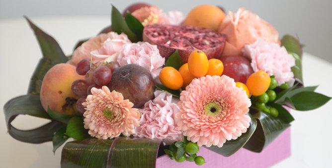 Fruity bouquet in a box