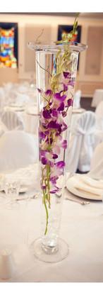 vase table flowers wedding montreal.jpg
