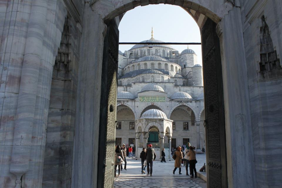 the-blue-mosque-istanbul_13873264883_o