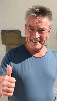 Billy Pearce supports us