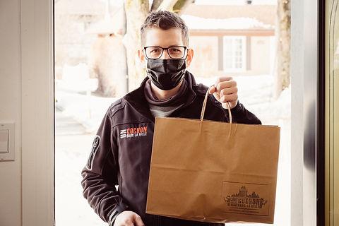 Prêt-à-manger, service de livraison, service professionnel, emballage écoresponsable, produits locaux, chef Maxime Leblond