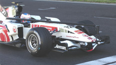 Honda F1 on the start grid with Toshiba IK-HD1 polecam