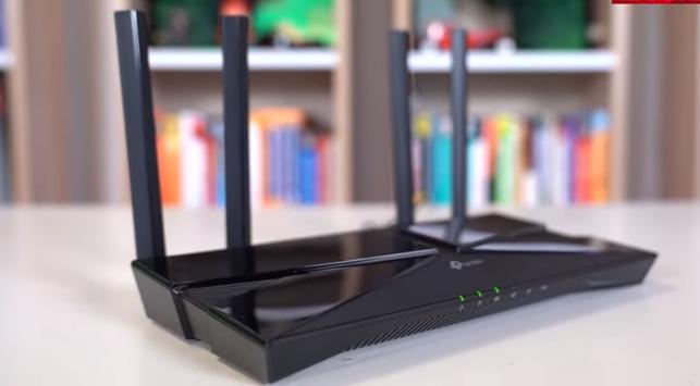 TP-Link Okçu AX50 En iyi Wi-Fi yönlendirici Testlerimizde TP-Link Archer AX50, orta ölçekli bir evden bile hızlı, duyarlı bir ağ oluşturdu. Bir şeyi biraz daha iyi hale getirmek için bir yönlendiriciye - veya çok büyük bir eviniz varsa bir ağ setine - çok daha fazla harcamanız gerekir. Bu bizim ilk WI-Fi 6 (802.11ax) yönlendirici seçimimiz.