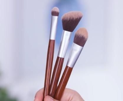 The Brushh Makyaj Fırçası
