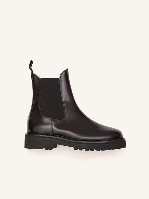Boots Castay