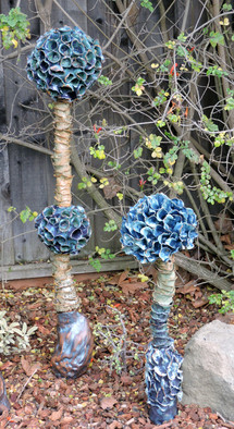 Blue flowers totems