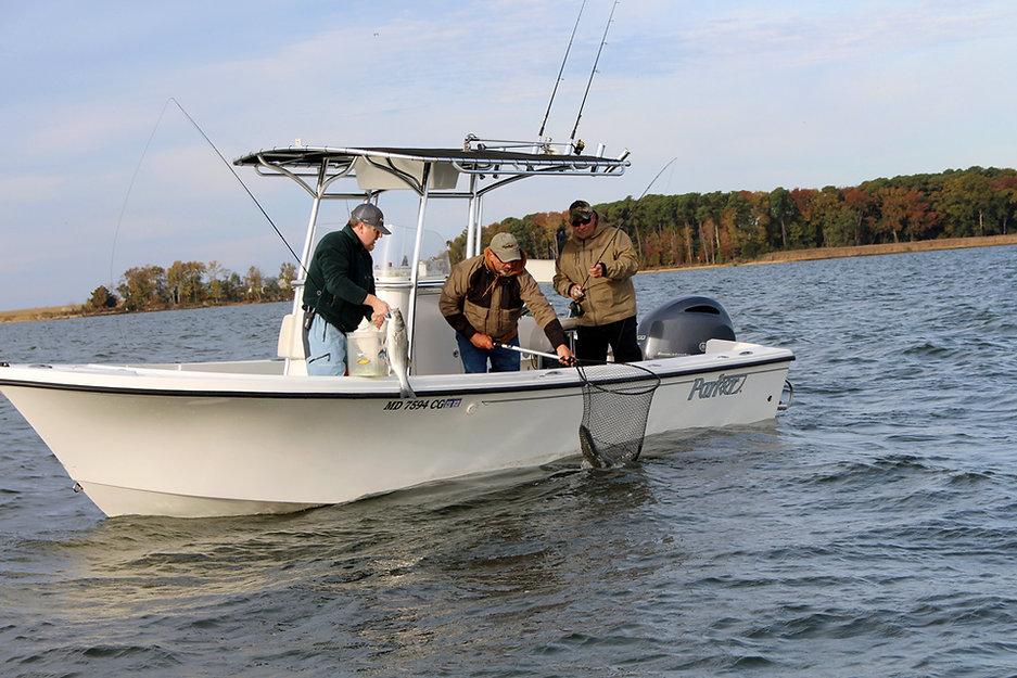 center-console-fishing1.jpg