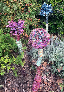Flowers totems