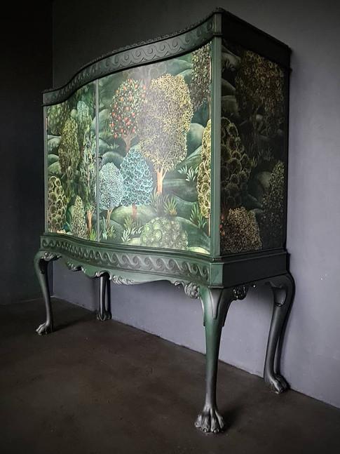 Annies Furniture Art