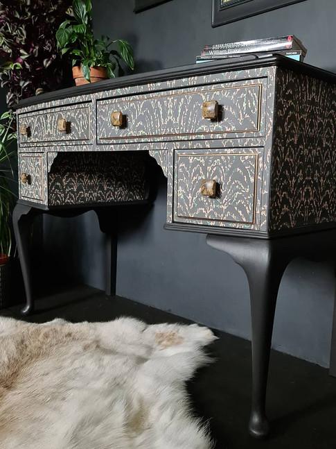Annie's Furniture Art