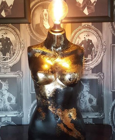 Mernpunk Upcycled Mannequin Light Gold.p