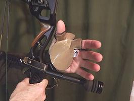 Bow torque eliminator