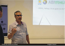 Ascevi intermédia palestra na I Semana das Engenharias em Palhoça SC para 60 estudantes de Arquitetu