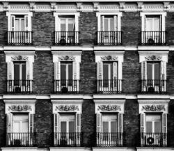 Balcones en calle Alcala