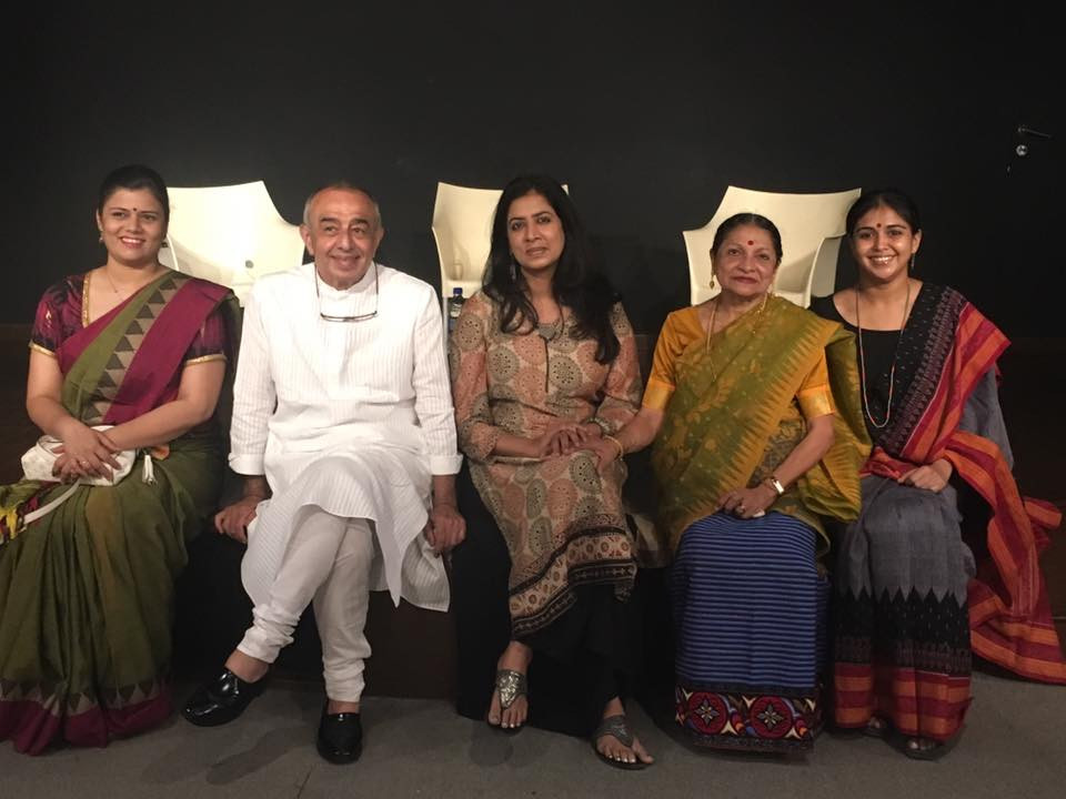 (L-R) Pranali Kakade, Astad Deboo, Arundhati Subramaniam, Darshana Jhaveri and Sanjukta Wagh