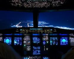 Airbus-A320-Cockpit-1.jpg