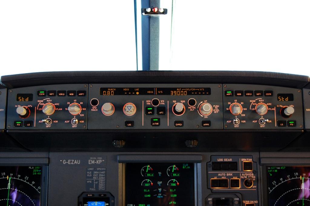 A320_Cockpit.jpg