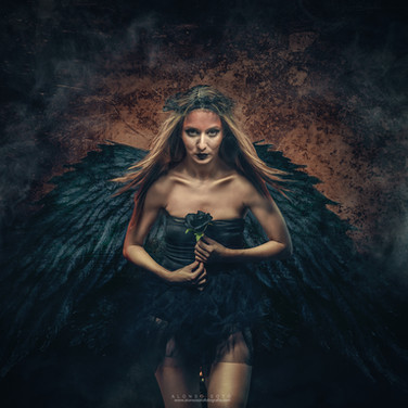ANGEL OSCURO.jpg