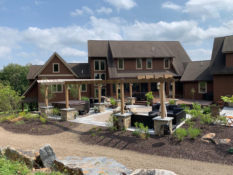 Mathiesen Landscape Design: Outdoor Living