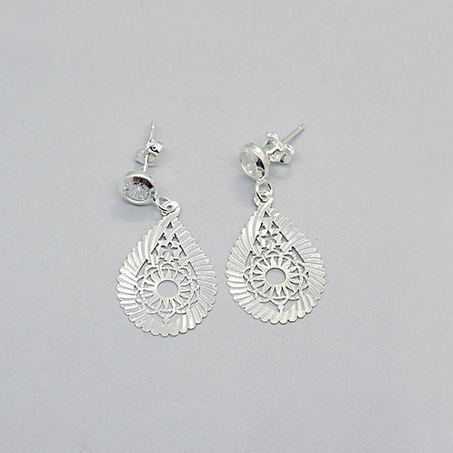 Diamond-cut drop earrings