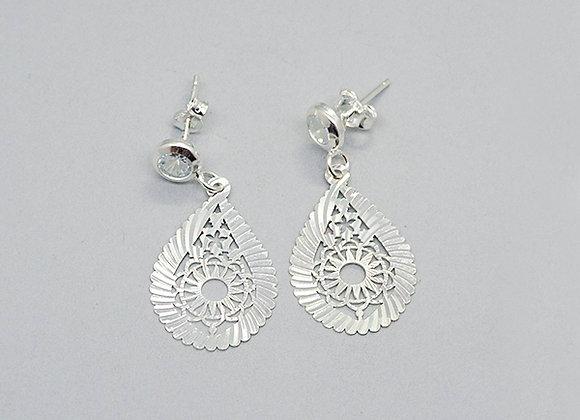 Diamond-cut drop earrings