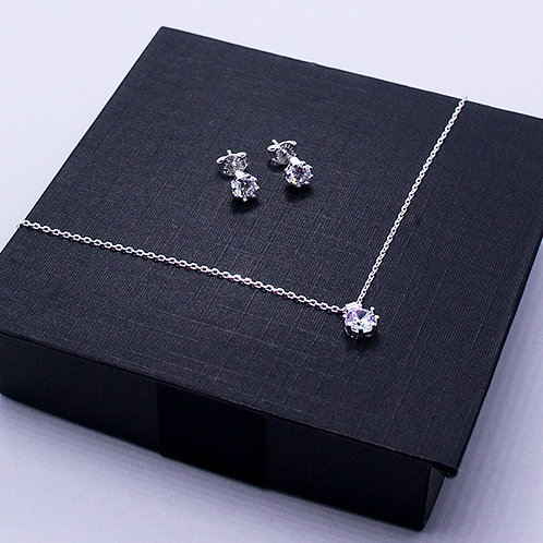 Zirconia earrings and necklace set