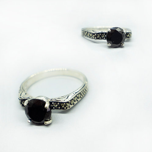 Marcasite solitaire ring #7.5