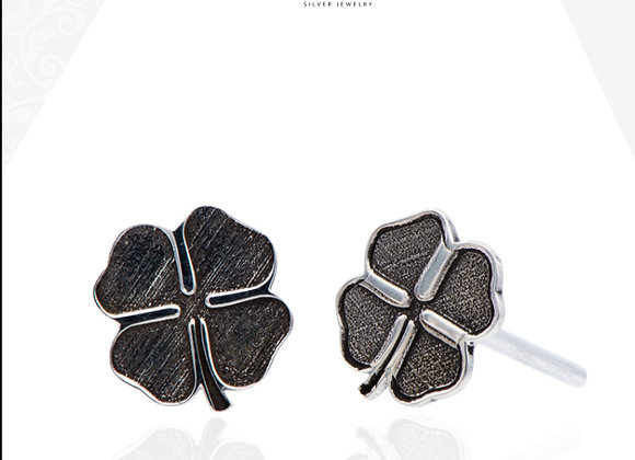 Clover leaf earrings