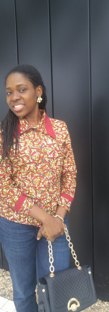 #B5 Blouse Pointed Collar and Contrast Detail