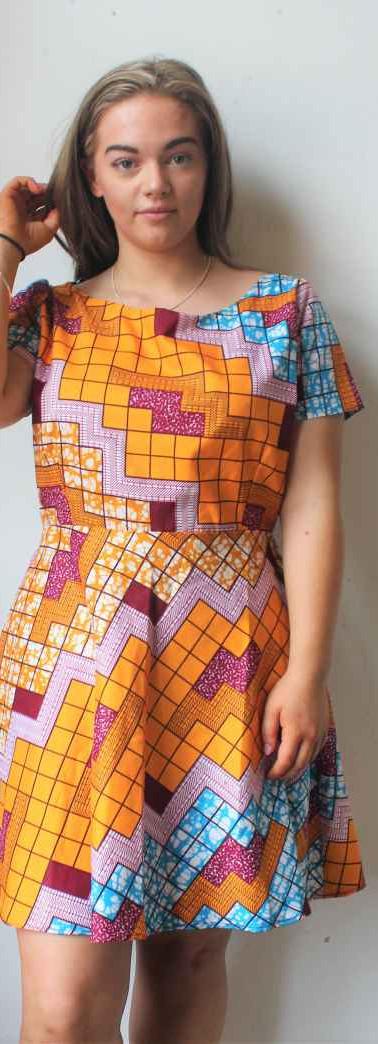 #D3 Dress with Short Sleeve