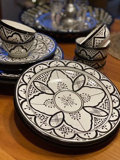 Moorse aardewerk Bord Z/W 27 cm