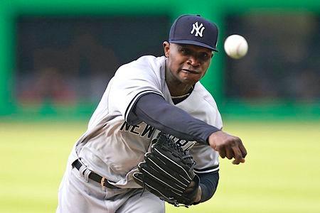 Yankees bats get hot, blow out Orioles