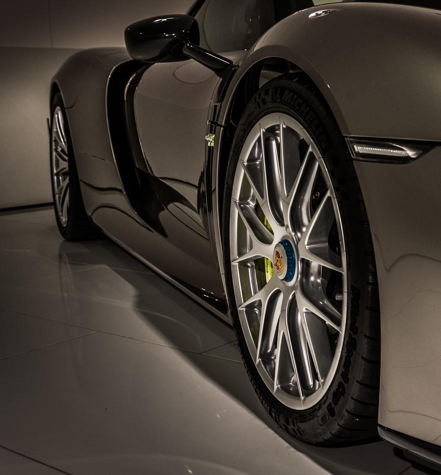 Porsche Museum 2016-6603.jpg