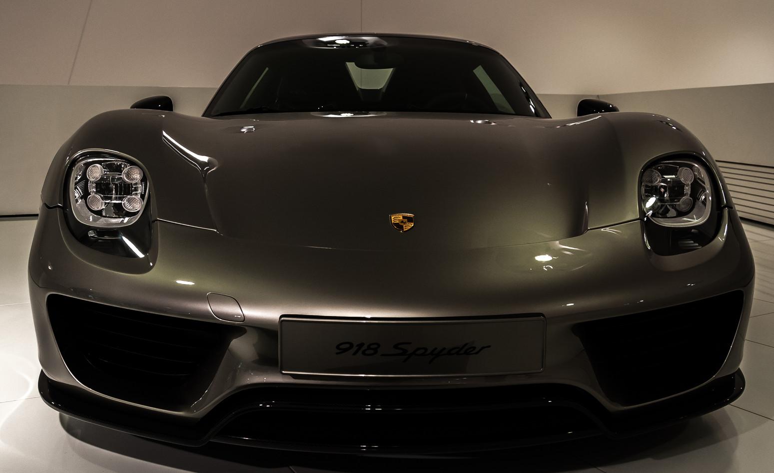 Porsche Museum 2016-6605.jpg