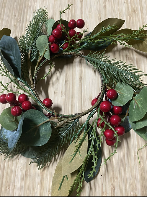 Small Red Berry Wreath