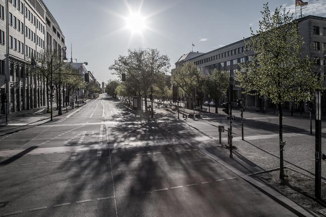 s0847 Unter den Linden Berlin.jpg