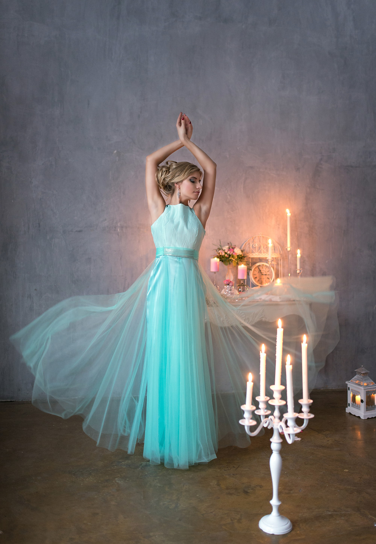 свадебное платье цвета аквамарин