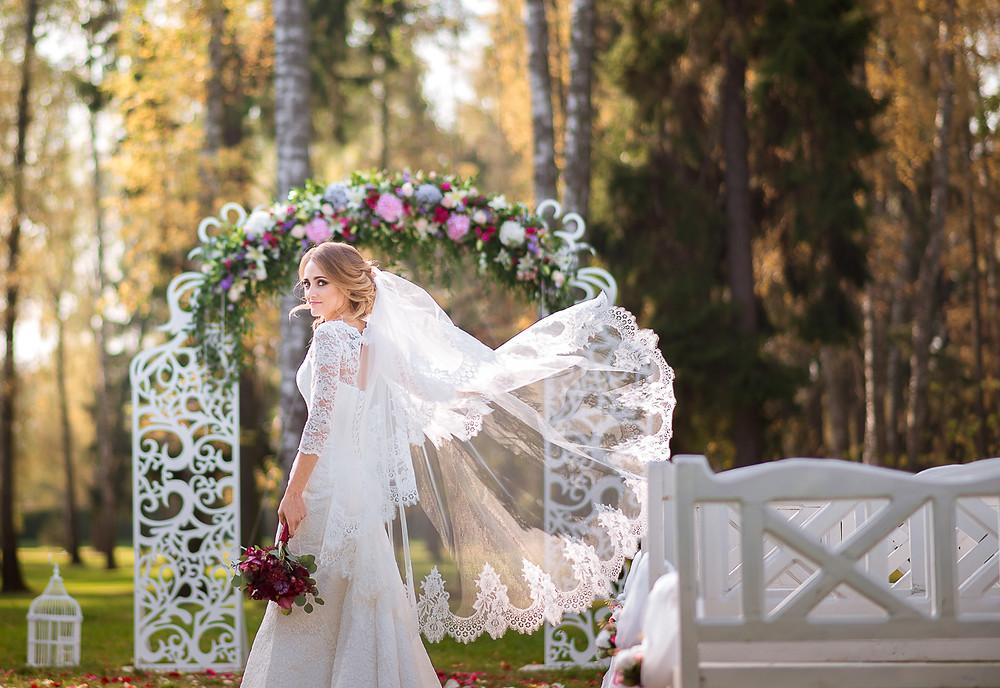 Невеста на выездной регистрации
