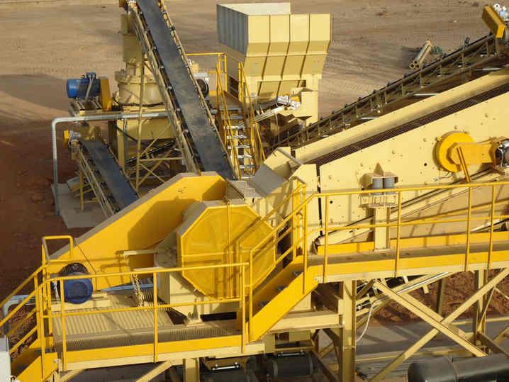 impianto fisso di frantumazione, selezione e lavaggio minerali auriferi installato in Mali (Africa)