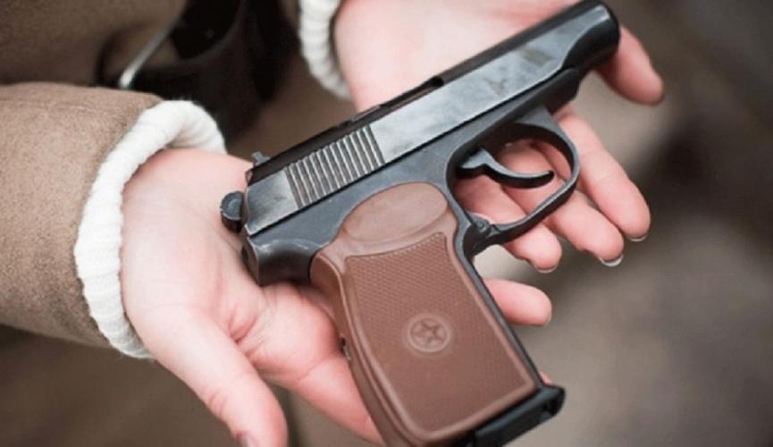 Добровольная выдача оружия освобождает от ответственности на любой стадии производства по делу